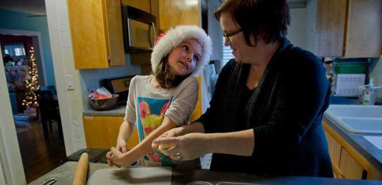 Cookie Project spreads cheer to those working this holiday